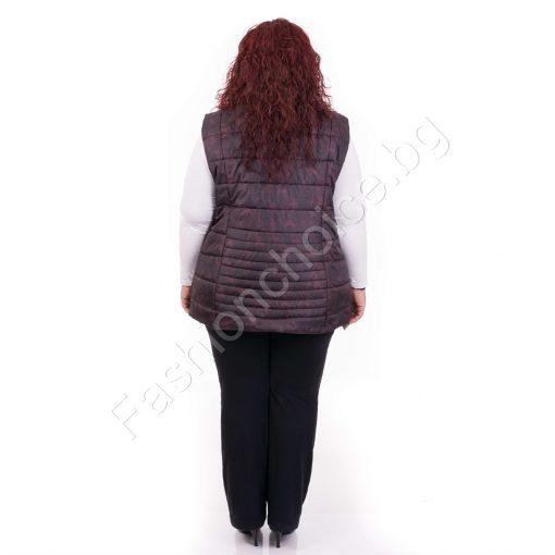 Плътна дамска макси грейка в бордо и черно с интересна щампа