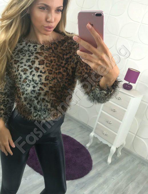 Дамска блуза в нежен тигров десен