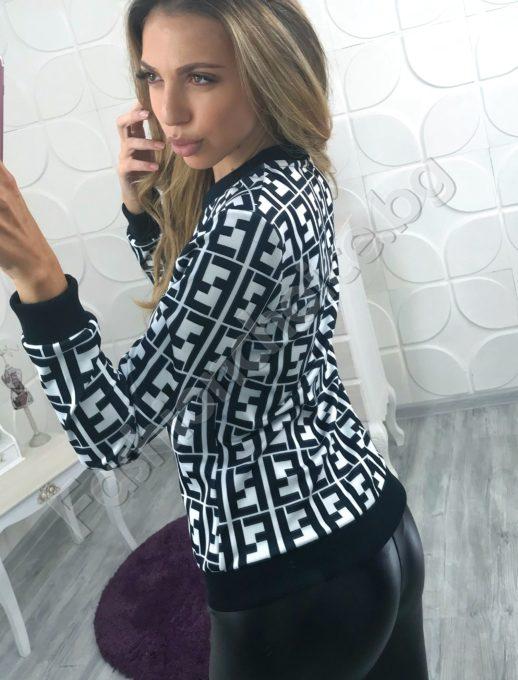 Уникално дамско яке с интересна щампа