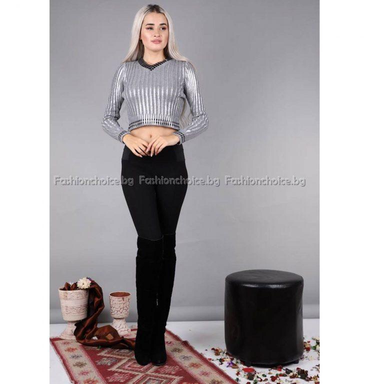 Сладък дамски пуловер в светлосиво