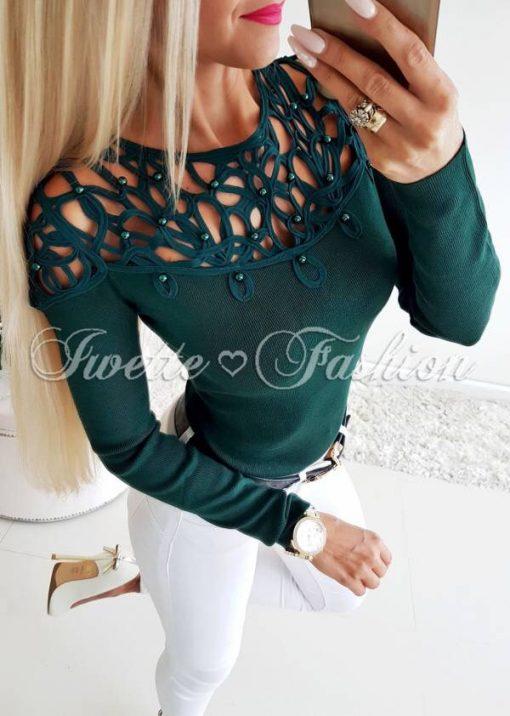 Кокетна дамска блуза с перлички в зелено