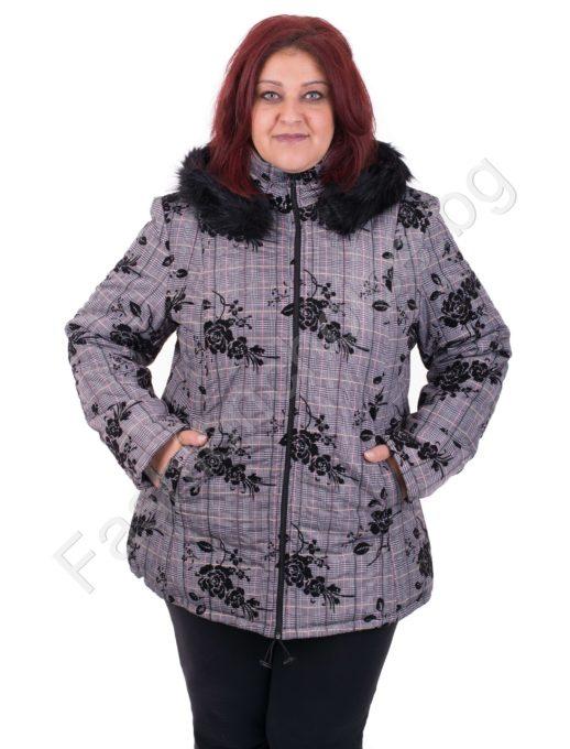 Нежно и елегантно плътно яке с качулка за макси дами