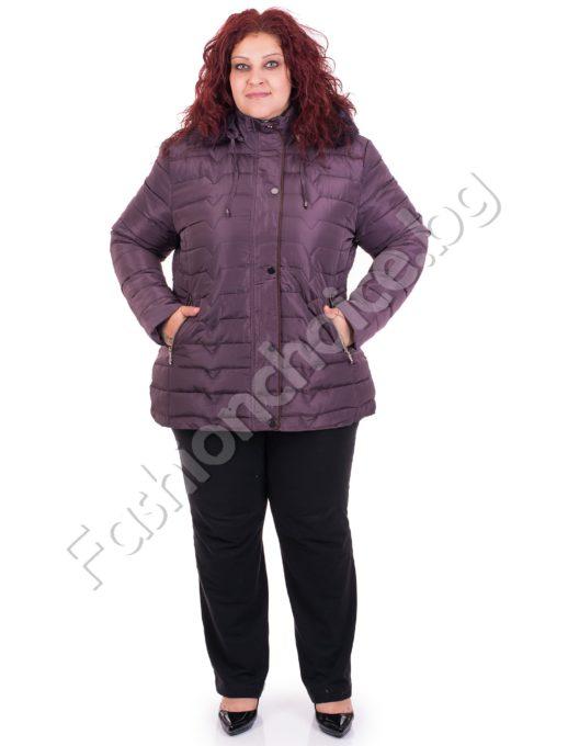 Топло зимно дамско яке с качулка в големи размери