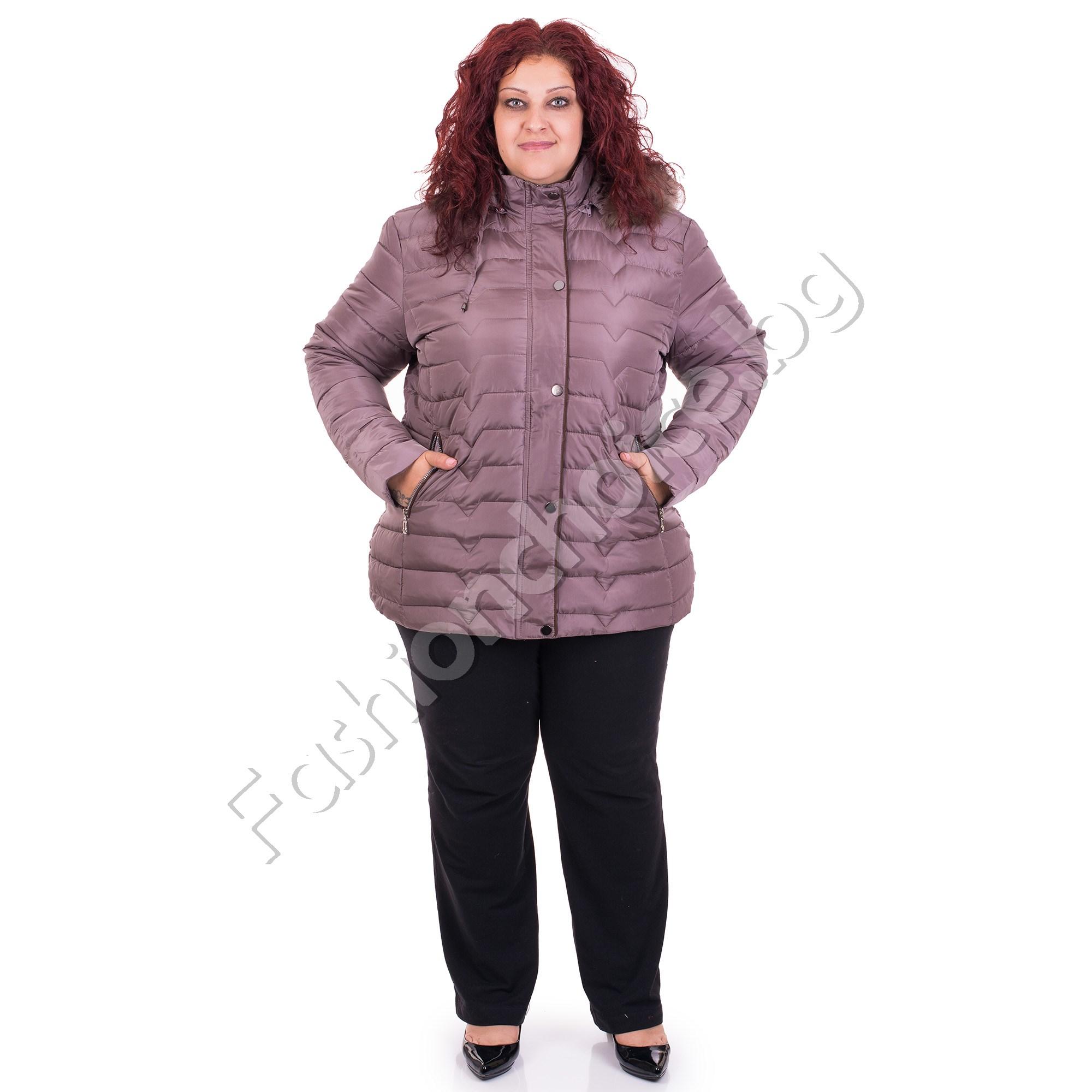 866566323b1 Топло зимно дамско яке с качулка в големи размери
