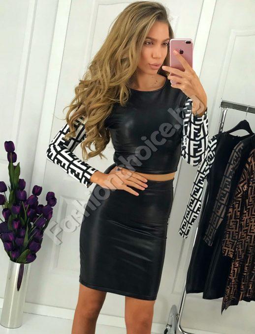Прекрасен дамски комплект от еко кожа с модна щампа