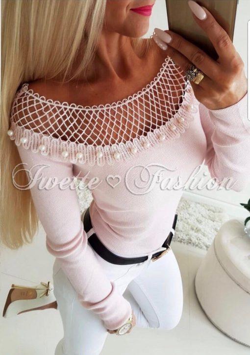 Кокетна дамска блуза с перлички в цвят пудра