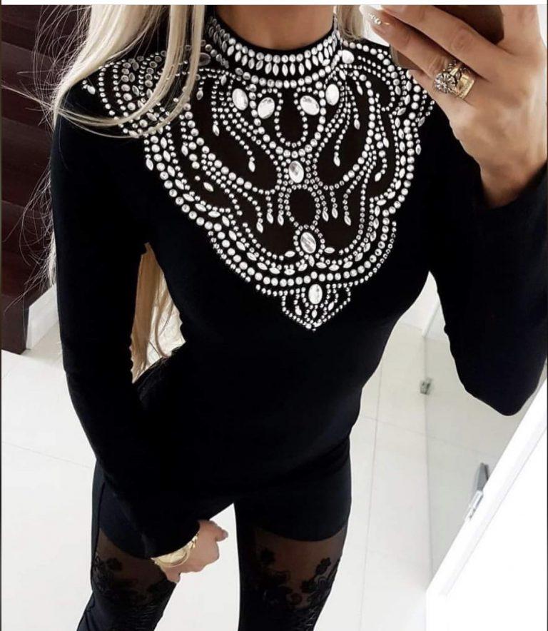 Прекрасна дамска блуза в черно с камъчета