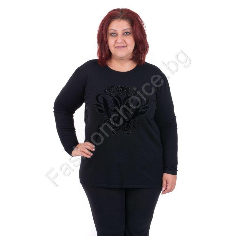 Комфортна и мека дамска блузка в големи размери