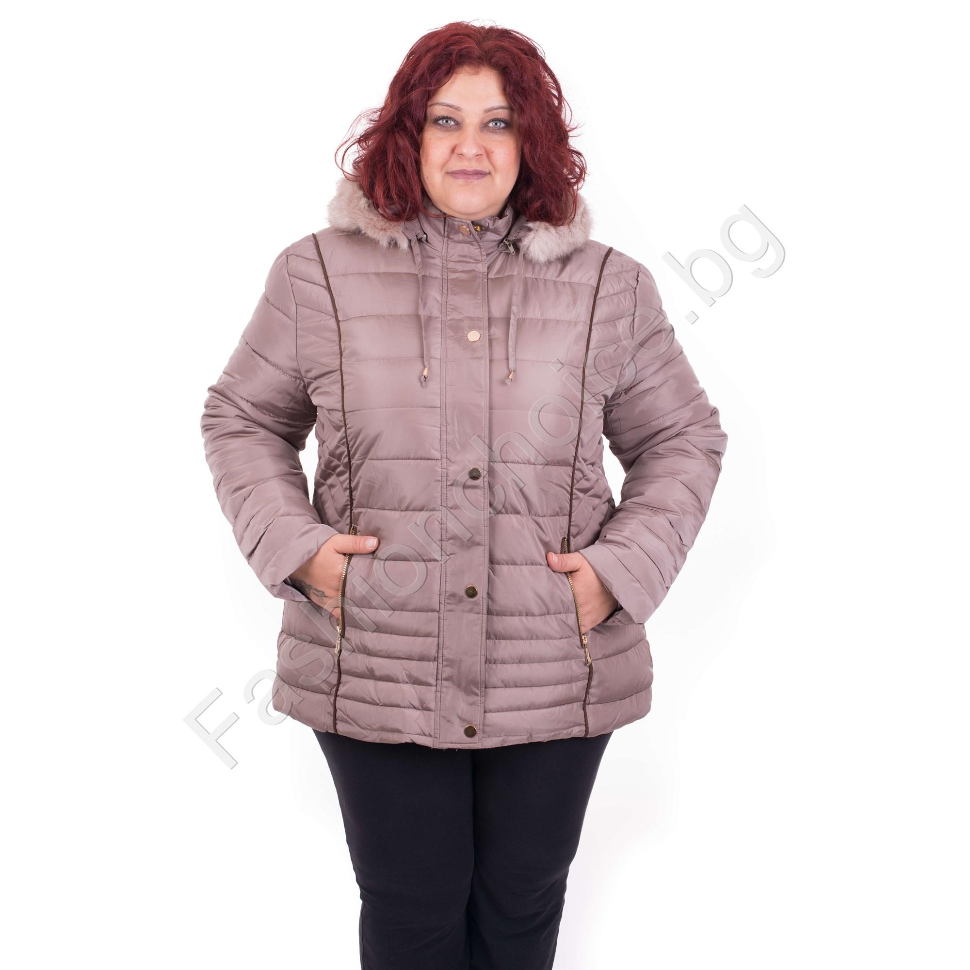 0d5e3fdba62 Комфортно дебело дамско яке с качулка /от 4XL до 8XL/