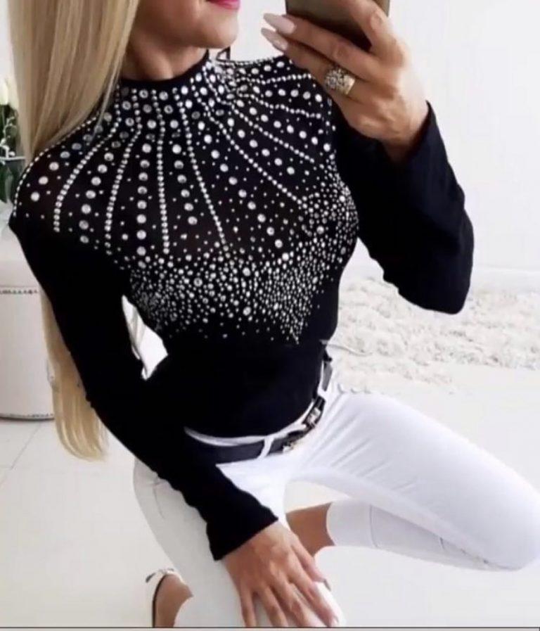 Шикозна дамска блуза в черно с приказно деколте