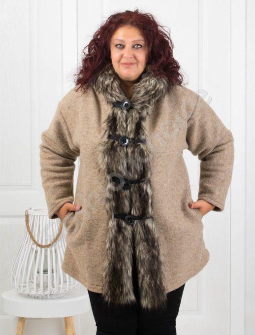 Вълнено дамско палто с прекрасен косъм