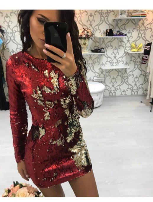 Обаятелна клубна рокля в червено с блестящи пайети