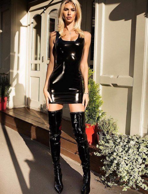 Черна латексова рокля Каролина