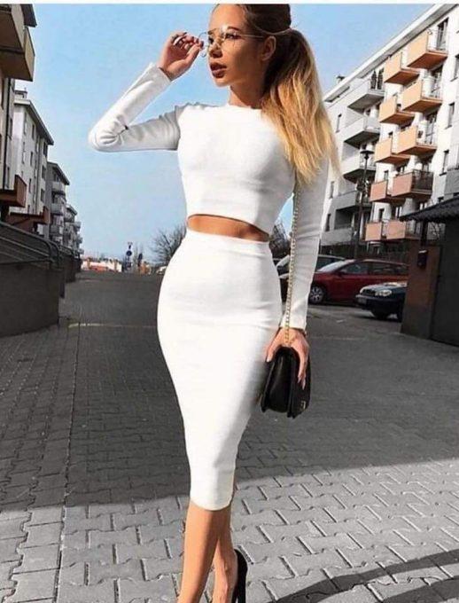 Прекрасен дамски комплект от две части в бяло