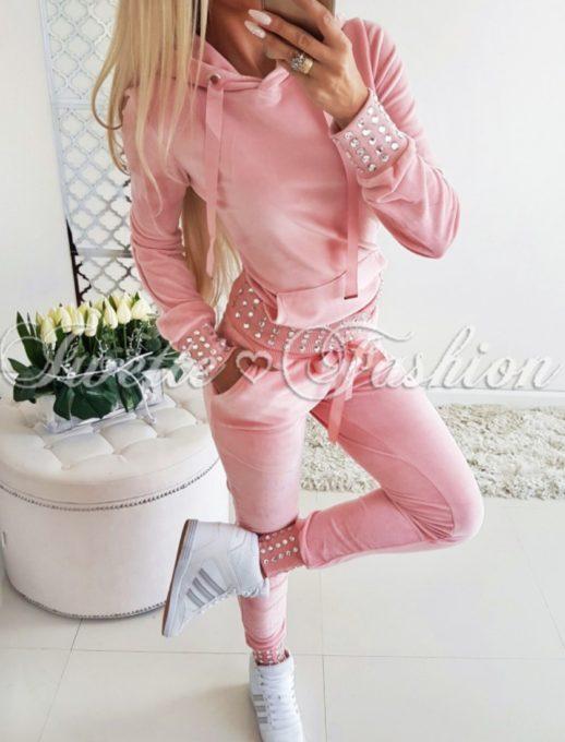 Дамски спортен комплект Queen в розов цвят с камъни
