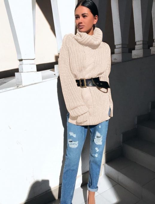 Плетена плътна дамска туника с красив колан в светло бежово