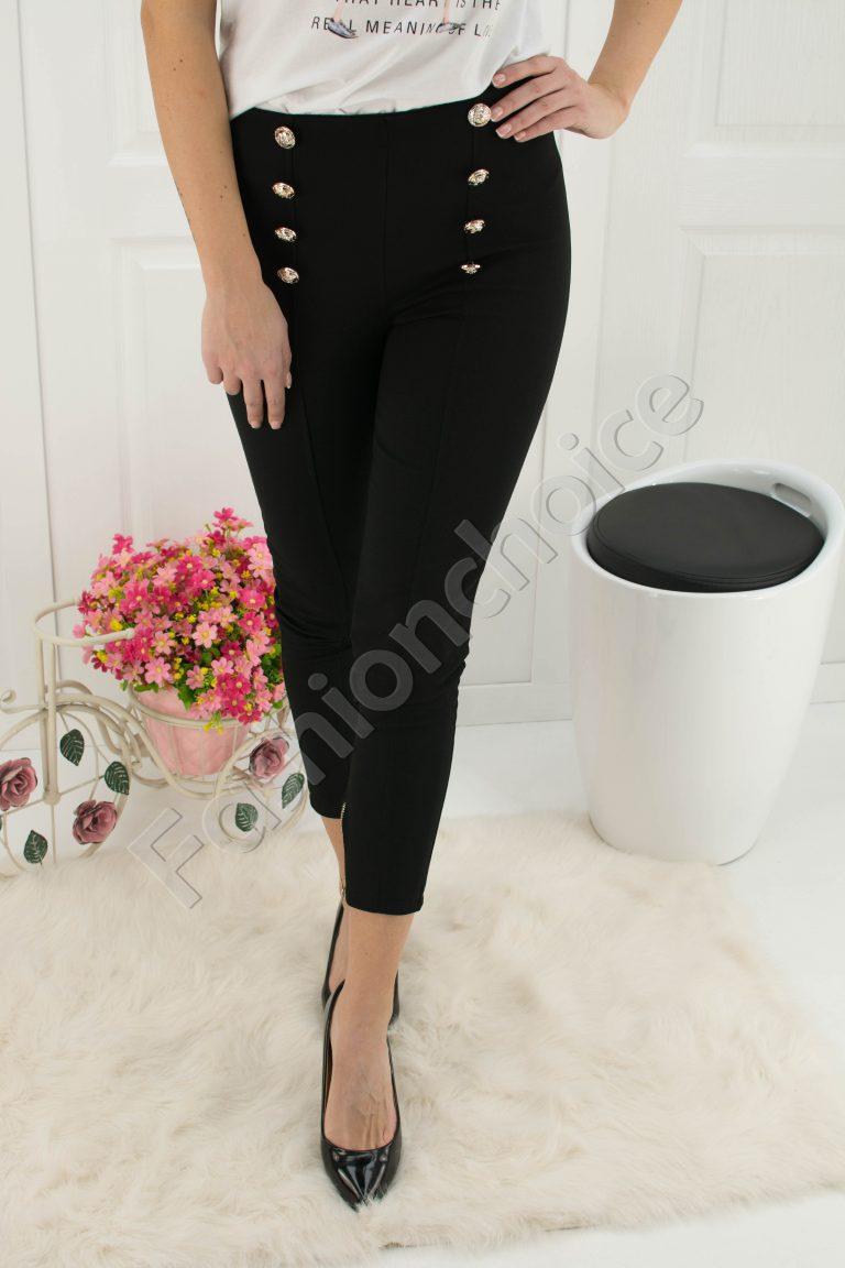 Шикозен панталон в черно с висока талия и декоративни копчета