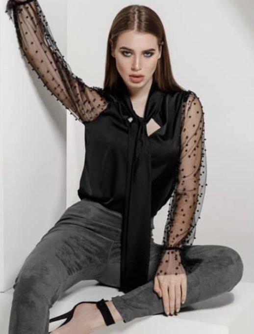 Елегантна риза в черно с ръкави от тюл и перли