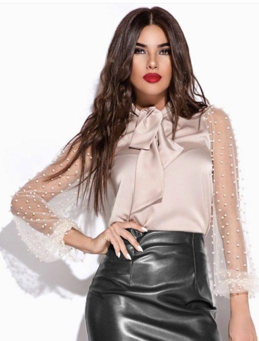 Елегантна блуза в нежно розово с ръкави от тюл и перли