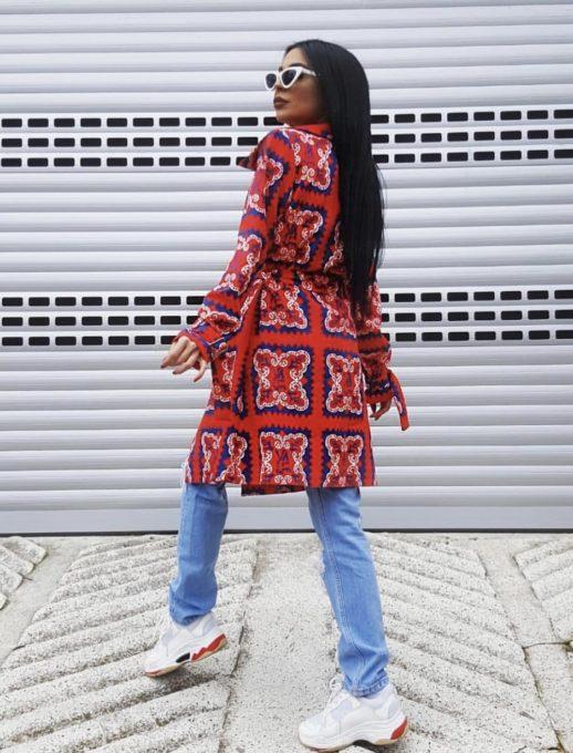 Червено дамско пролетно манто с модерен дизайн