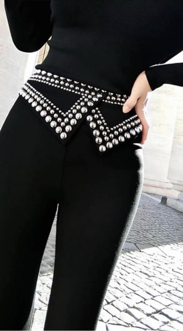 Моден дамски панталон с ефектни кабзи