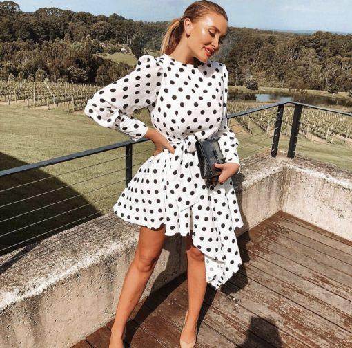 Лимитиран модел рокля на точки с асиметрична кройка