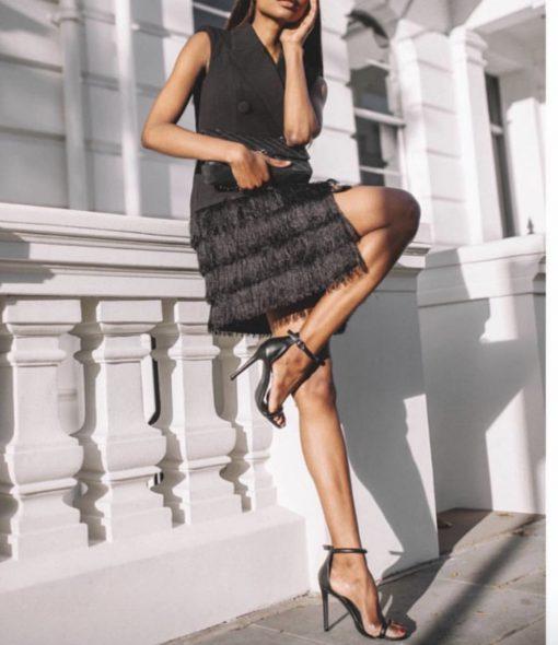 Стилна черна рокля тип сако с ресни и изискан ревер