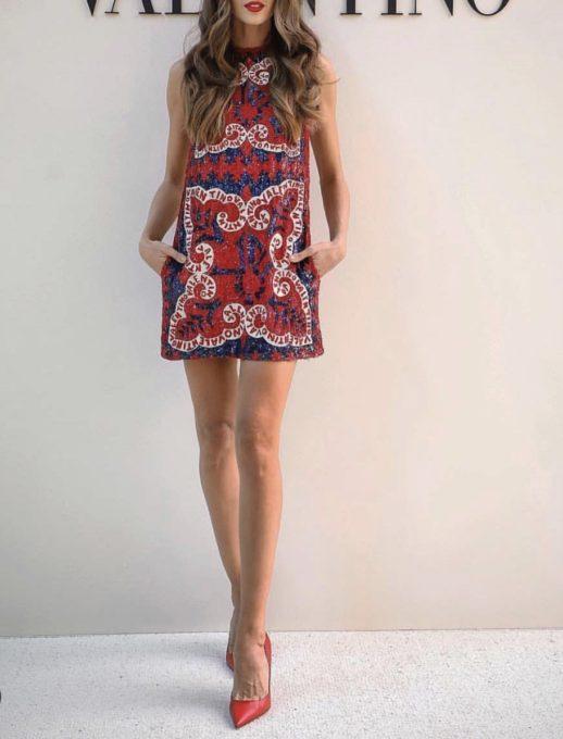 Луксозна къса рокля в червено с дизайнерски принт