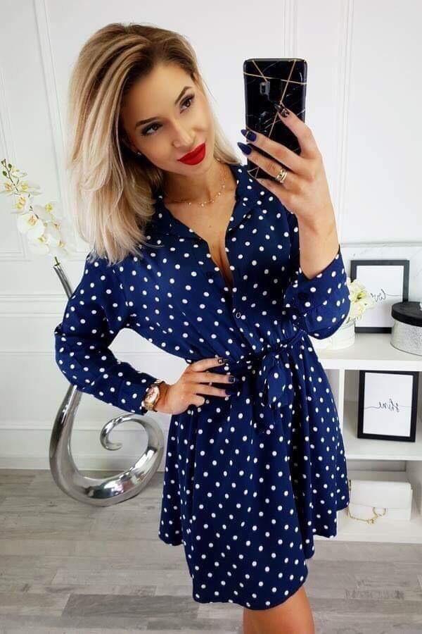 Очарователна синя рокля Александра с нежни бели точици