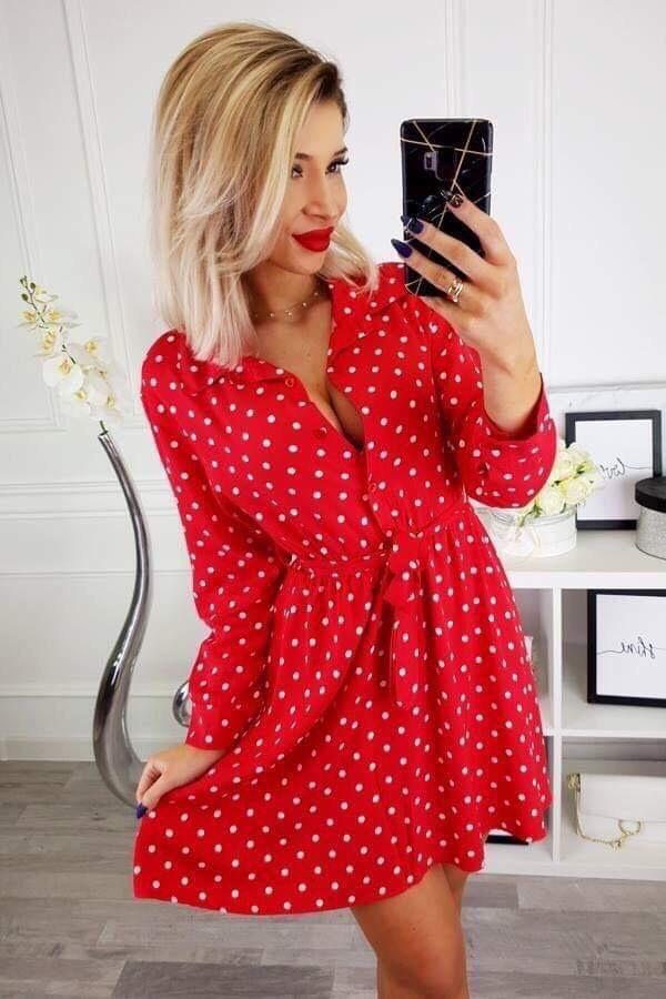 Очарователна червена рокля Александра с нежни бели точици