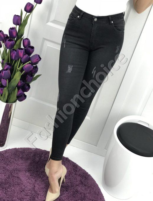 Секси дамски дънки в черно с надран ефект