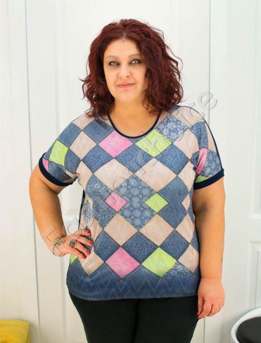 Свежа макси блузка с красиви цветни ромбоиди/3XL-5XL/-код 722-021