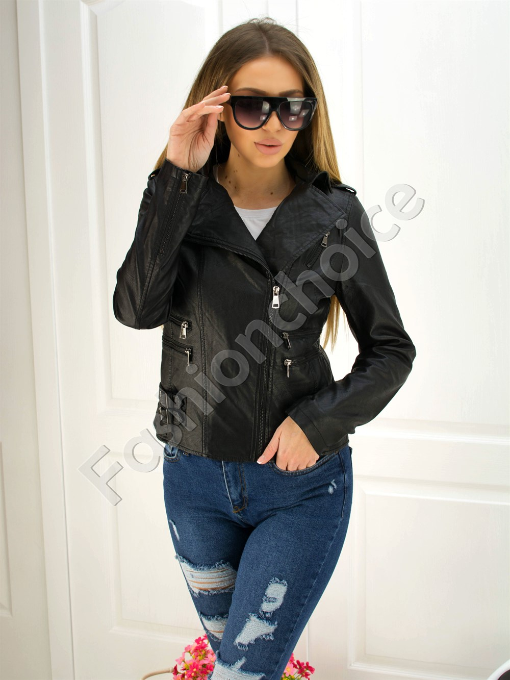 f4a084c41a3 Дамско кожено яке в черно със странично закопчаване код 301-051