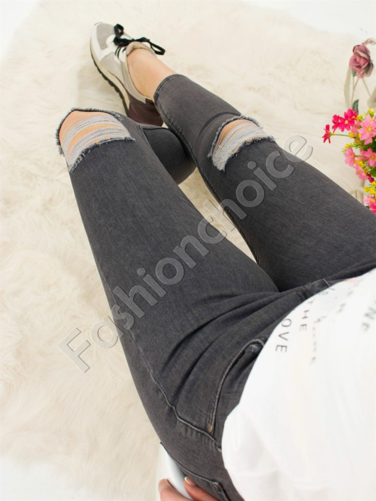 Дамски дънки в сиво с изтъркан ефект код 742-585