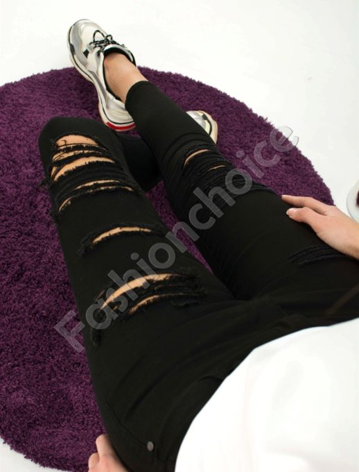 Панталон с накъсан ефект в черен цвят- код 729-1