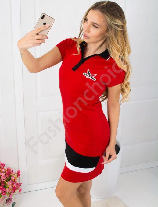 Спортна рокля в червено с къс ръкав и якичка Код 800-4