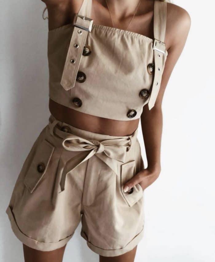 Комплект с бюстие и панталонки в бежово-код 773-1030
