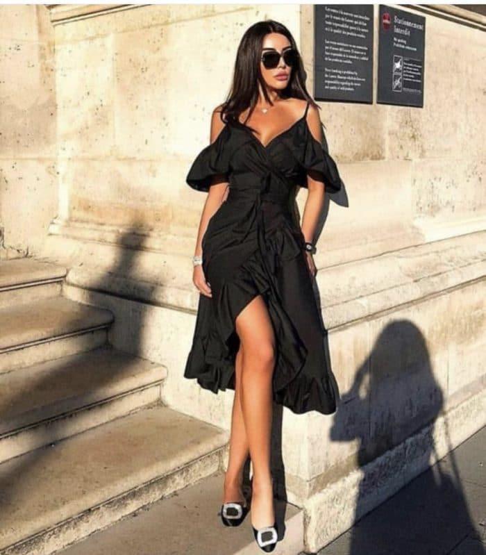 Ефектна рокля в черно с къдри Код 787-3