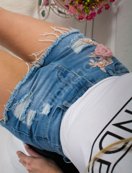 Дънкови панталонки с накъсан ефект и апликация-код 307-83