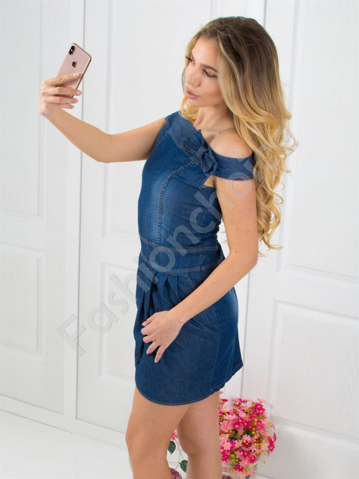 Дънкова рокличка с панделка на рамото-код 025-212