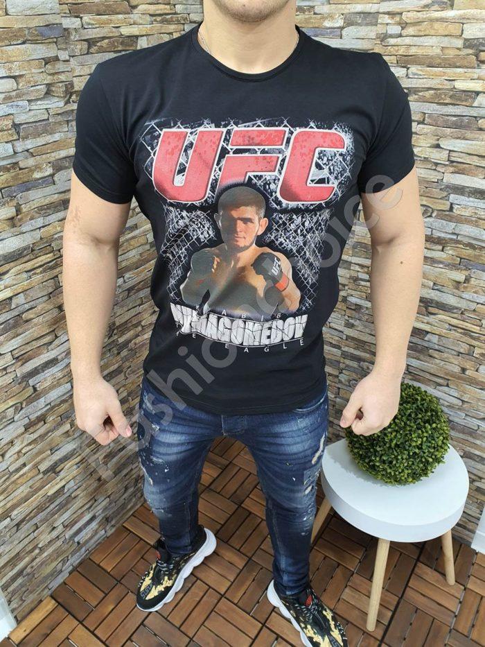 Спортна мъжка тениска