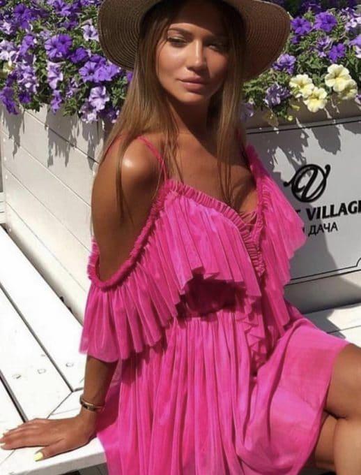 Къса рокля с волани в розово Код 813-3229-1