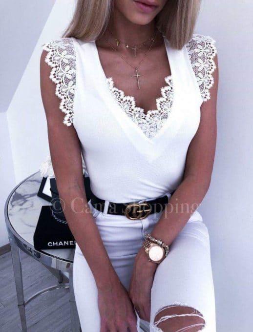 Дамски топ с красива дантела в бяло-код 821
