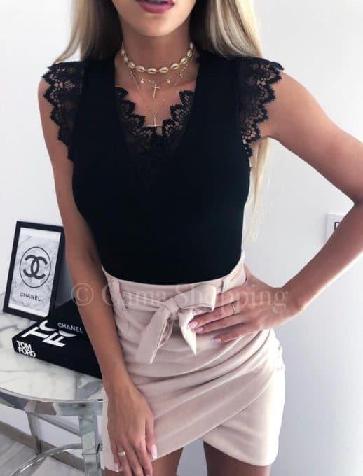 Дамски топ с красива дантела в черно-код 821-1