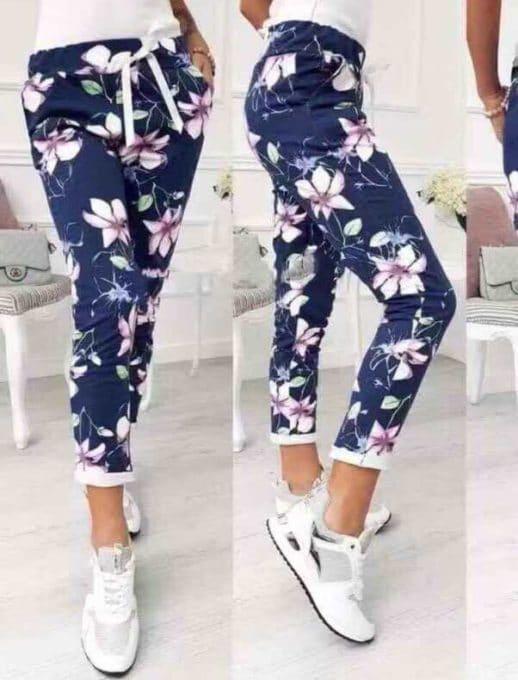 Дамски панталон в син цвят на цветя Код 543-1