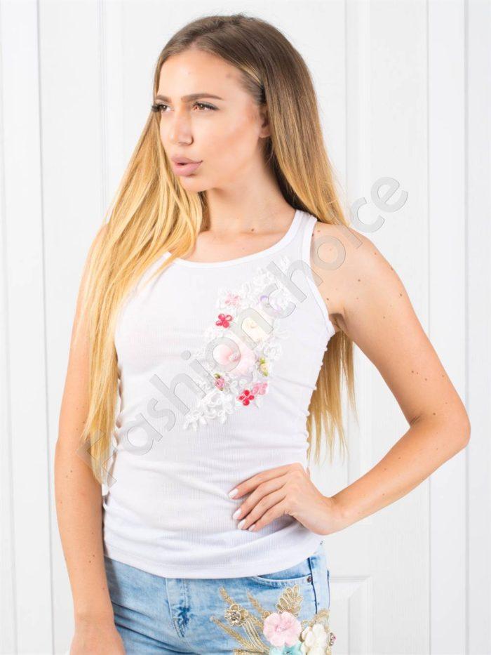 Топ в бяло с цветна апликация-код 848-1