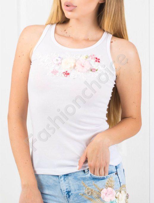 Топ в бяло с апликация цветя-код 848-3