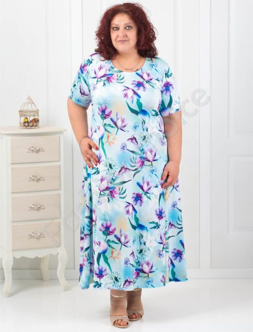 Дълга макси рокля в нежен флорален десен
