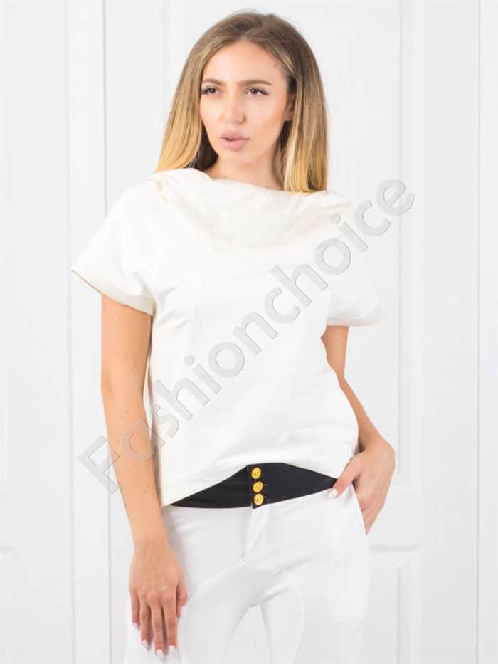 Дамска блузка с качулка в бяло