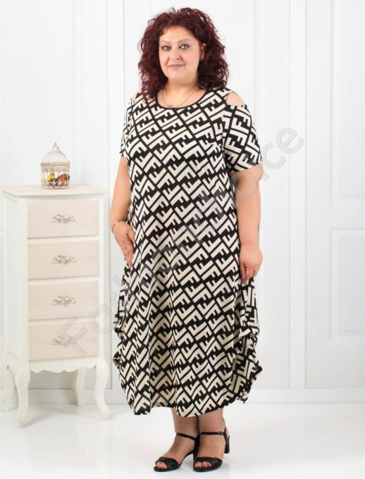 Дълга макси рокля с черно-бял ефектен принт